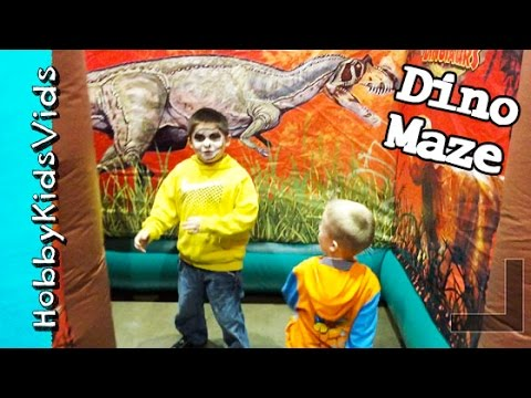 Dinosaur MAZE Run! Painted Face HobbyPig N' Frog Run to get out Animatronic Dino Chases HobbyKidsTV