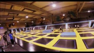 trampoline park toulouse lets jump. Black Bedroom Furniture Sets. Home Design Ideas