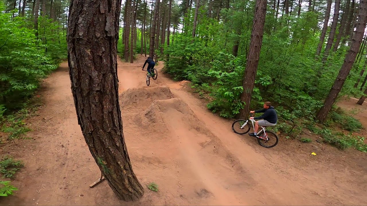 SHERWOOD PINES DIRT JUMPS FROM A FPV DRONE картинки