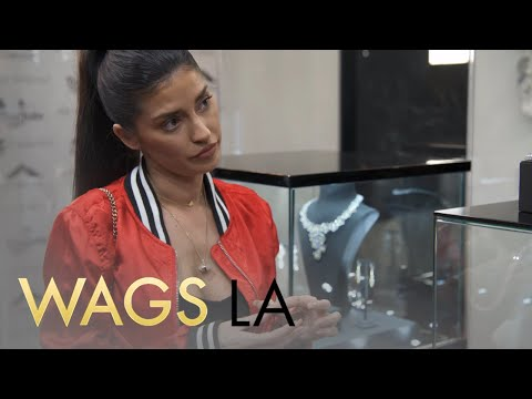 WAGS LA | Nicole Williams Grills Larry About Wearing a Wedding Band | E!