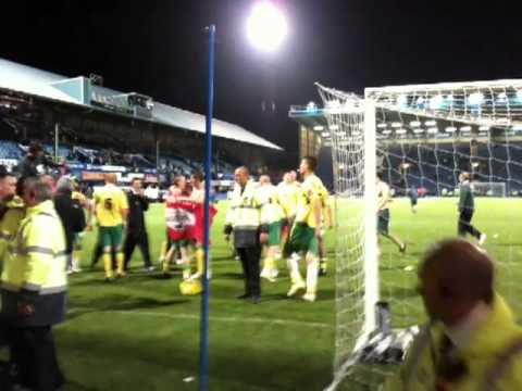 Ward, Pacheco etc celebrate Norwich's promotion