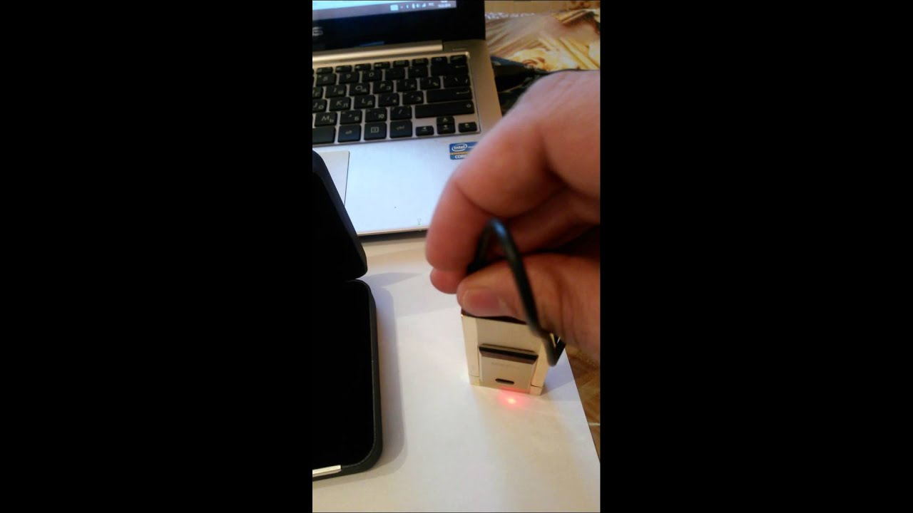 Оригинальная электронная usb зажигалка в стиле iphohe. Usb зажигалки пришли на смену старым бензиновым и газовым зажигалкам. Usb зажигалка имеет встроенный литиевый аккумулятор и легко заряжается от любого usb порта компьютера или ноутбука. А так же при наличи переходника от.