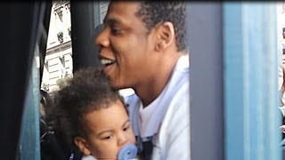 Beyonce and Jay-Z Play with Blue Ivy Carter!