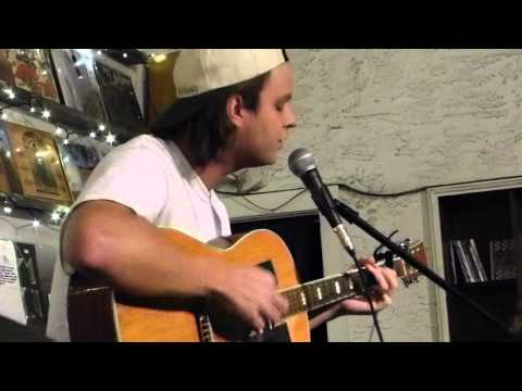 "Mac Demarco ""Salad Days"" live and acoustic at Other Music in NYC"