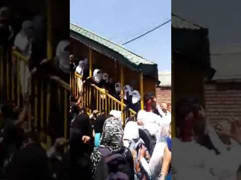Kashmiri students protest