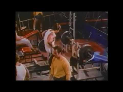 Old footage from Golds Gym with Arnold Schwarzenegger