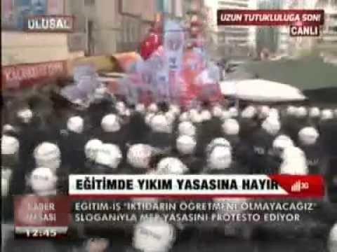 EĞİTİM İŞ ÜYELERİ ANKARA'DA TORBA YASAYI PROTESTO EDİYOR-3