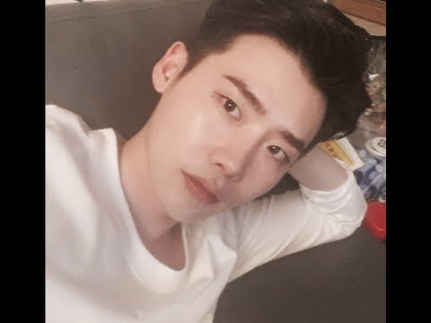 Lee Jong Suk Live on Instagram !!