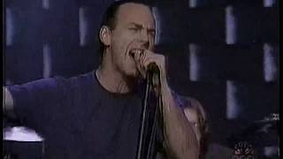 Bad Religion - Sorrow (live on Conan O'Brien)