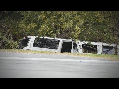 Governor: Limo failed inspection before deadly crash