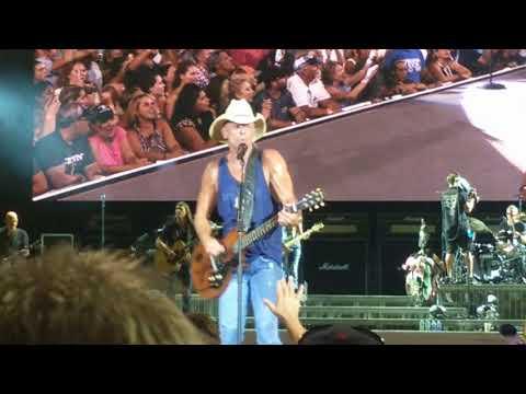 Kenny Chesney Get Along live Nashville.