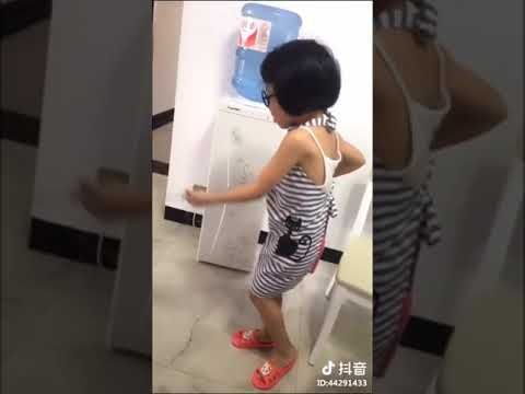 Asian girl dancing to it g ma