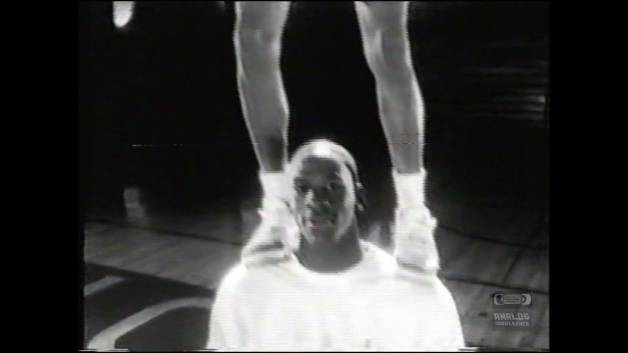 Nike Air Jordan III | Micheal Jordan and Mars Blackmon | 1988 | TV Commercial