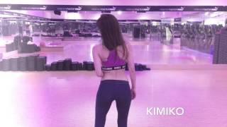 知名舞蹈老師KIMIKO「穿這樣」被客訴,「性感爆乳」好身材讓人凍枚條!