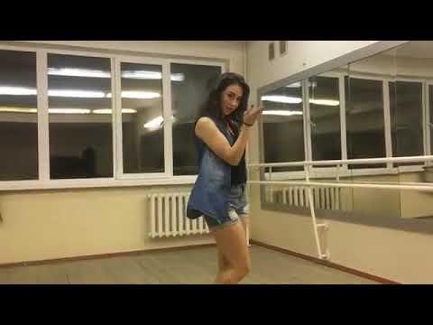 رقص هندي على اغنيه سلمان خان و كاترينا كيف 2017 thumbnail