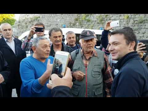 Prosvjed protiv održavanja predstave 'Naše nasilje i vaše nasilje' - Arsen Bauk