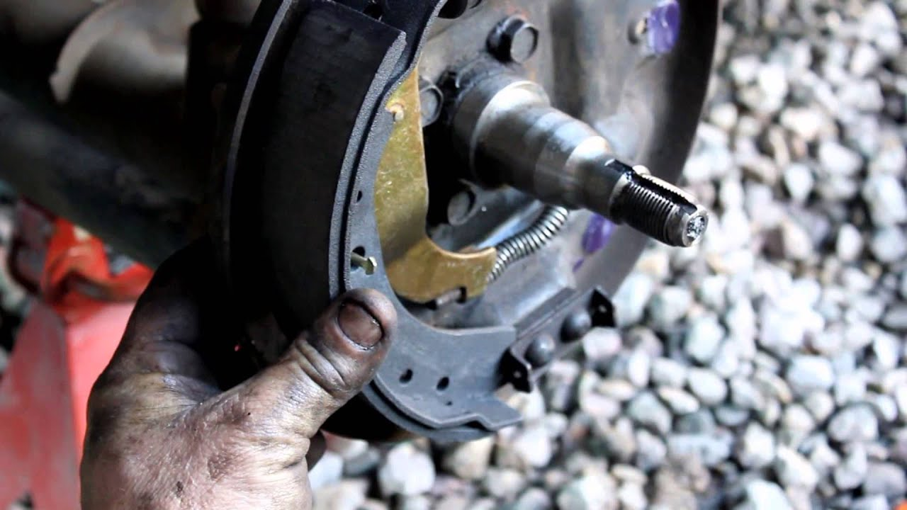Drum Brake Shoes Remove & Replace