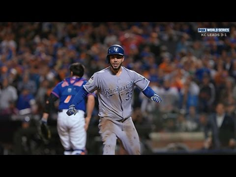 Hosmer races home to tie game in 9th