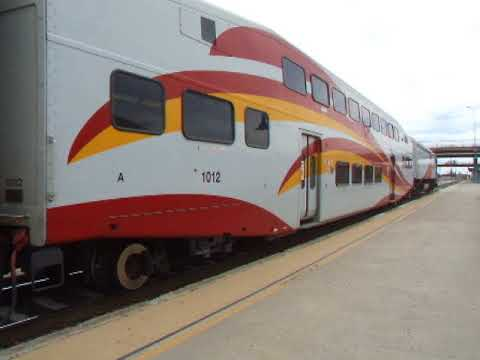 Railrunner Leaving Albuquerque Station South