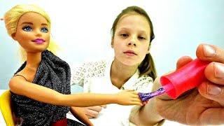 видео Игры барби для девочек: Школьный макияж Барби