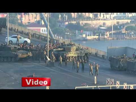 Pro-coup soldiers blocking Istanbul's Bosporus Bridge surrender