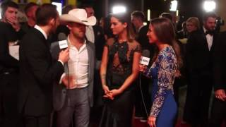 cassadee pope 2016 cma awards red carpet interview tasteofcountry exclusive