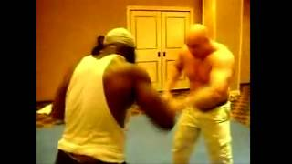 Kimbo Slice vs Giant Serb (SERB IS HUGE)
