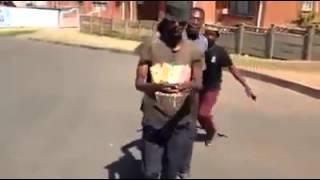 Video Video Lucu Afrika download MP3, 3GP, MP4, WEBM, AVI, FLV Juni 2018