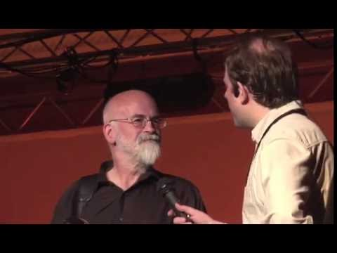 Discworld Convention 2008 : Disc is your world , an interview with Terry Pratchett at DWCon 2008