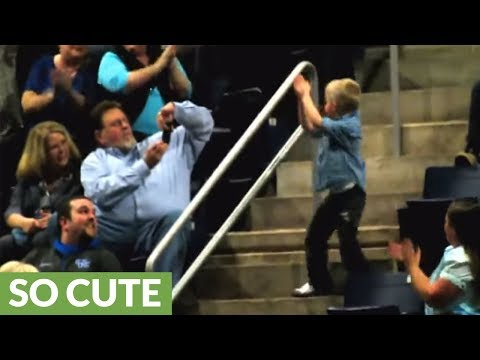Watch This Dancing Boy Completely Steal The Show During A Rascal Flatts Concert!