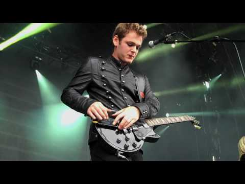 Something To Say - Live at Oxegen 2010 (iPhone guitar solo)