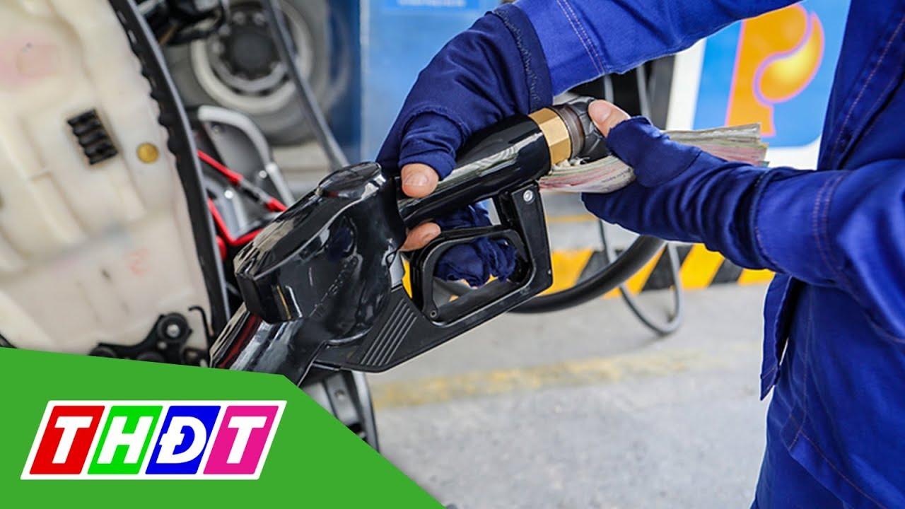 Giá xăng giảm hơn 2.000 đồng/lít | THDT
