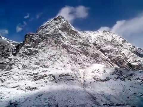 Snowfall at Lachung, North Sikkim...just amazing...