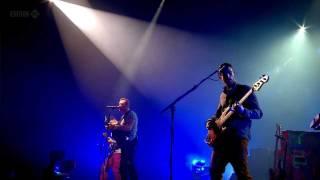 Coldplay (HD) - Shiver (Glastonbury 2011)