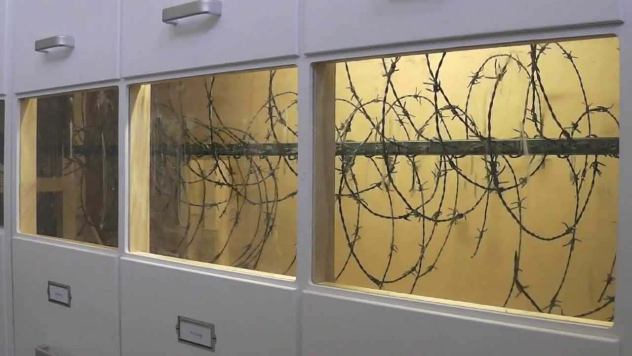 Installation art: McGill Pain Questionnaire 2012 - barbed wire - YouTube