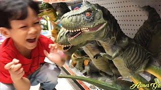 Download lagu WOW Ada Banyak Mainan Dinosaurus Mirip Aslinya di Toys Kingdom MP3