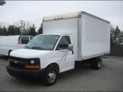 2005 Chevrolet Express Box Truck Start Up Exhaust And In