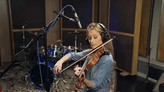 PreSonus PM-2 microphone: Foto Sisters' Katelyn Foto on violin
