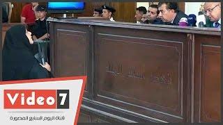 """والدة شهيد بـ""""أحداث الإسماعيلية"""" للقاضى:""""الإخوان هما اللى قتلوا ابنى"""""""