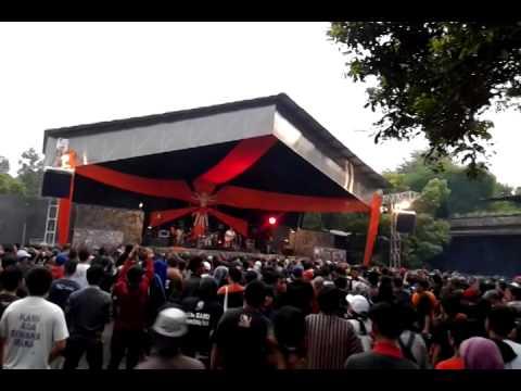 Indonesia Raya 3 Stanza + Cenderawasih - Iwan Fals