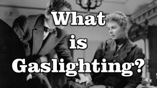 What is Gaslighting? And 11 Warning Signs of it Occurring