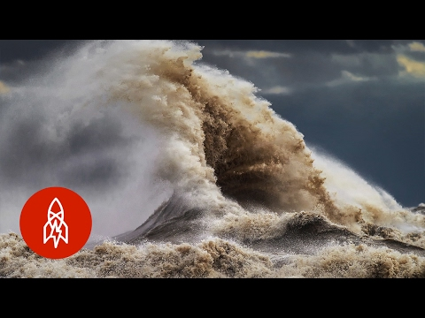Photographing Liquid Mountains | That's Amazing