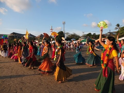 Maha Harinam Sankirtan - World Holy Name Week 2013 (Bali)