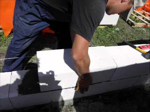 видео: Как построить дом своими руками с газоблока 1 часть.