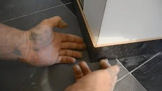 видео Керамический плинтус для пола