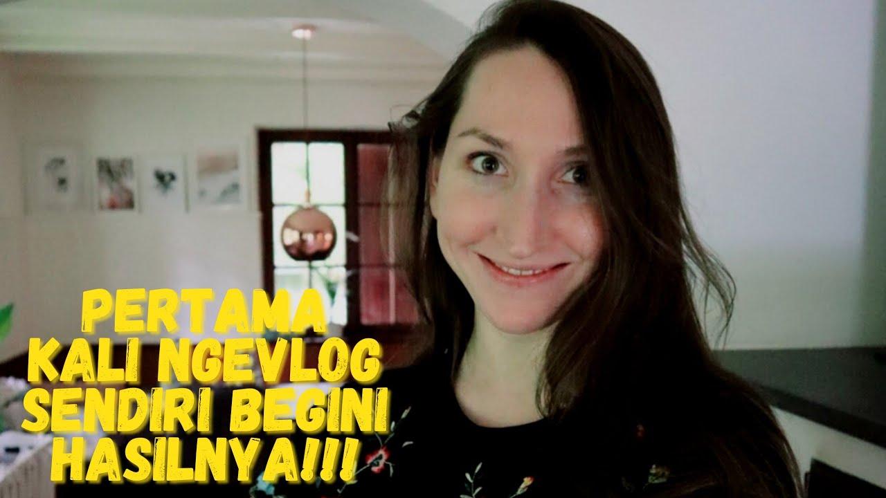 LUCUNYA ISTRI BULE NGEVLOG SENDIRI PAKE BAHASA INDONESIA   EDIT VIDEO SENDIRI!