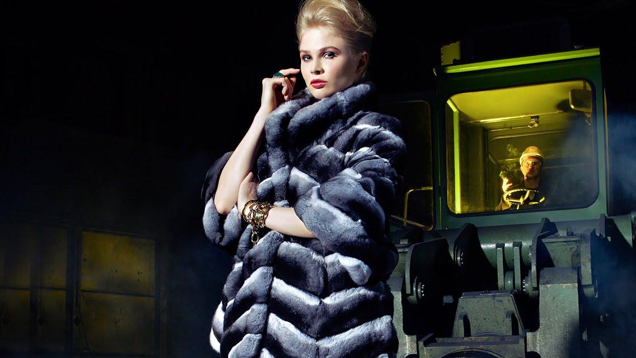Предлагаем купить шубу из натурального каракуля в нашем интернет магазине. У нас доступные цены и большой ассортимент шуб и пальто.