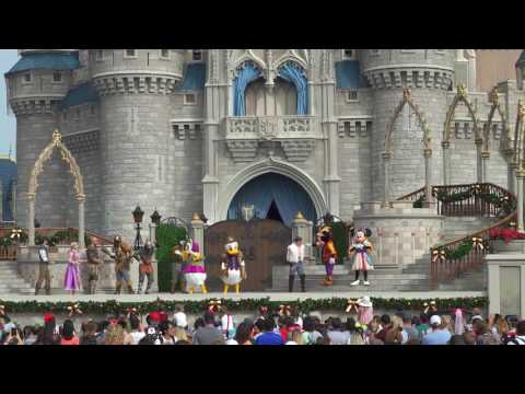 Mickey's Royal Friendship Faire Christmas Edition