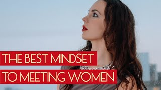 Are mid 30's men too old for daygame? & The best mindset for meeting women | Ask Hayley