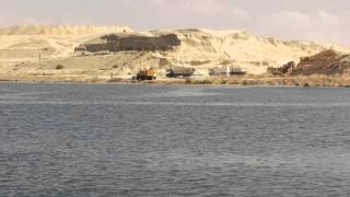 exclusive video of the dig on the first day of Eid al-Adha new Suez Canal